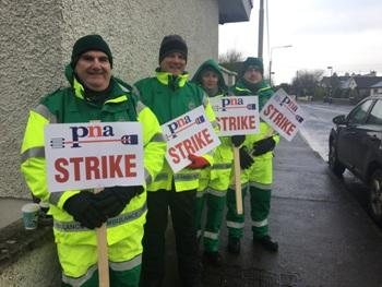 Midwest Radio - Ambulance personnel strike in Castlebar in
